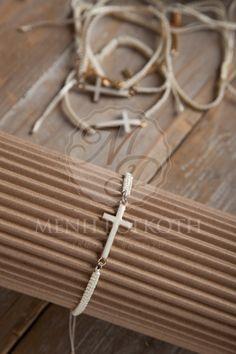 Μαρτυρικά βάπτισης βραχιόλια ιβουάρ μακρεμέ με ασορτί σταυρό