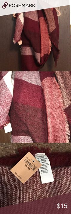 NWT AEO Blanket Scarf NWT, never worn! AEO Women's blanket scarf. Various shades of red with cream. Can be layered to wear as scarf or large enough to wear as wrap. From smoke/pet-free home. American Eagle Outfitters Accessories Scarves & Wraps