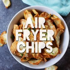 Crunchy Oil-Free Air Fryer Chips – Healthy No Oil Frying - Air Frying Air Fryer Recipes Videos, Air Fryer Recipes Meat, Air Frier Recipes, Air Fryer Dinner Recipes, Yummy Healthy Snacks, Healthy Recipes, Healthy Appetizers, Healthy Food, Air Fryer Chips