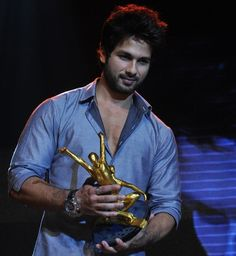Shahid Kapoor Is The Hottest Man In Bollywood 2013