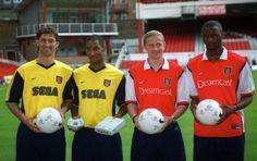 Tony Adams, Nicolas Anelka, Emmanuel Petit et Patrick Vieira (Arsenal)
