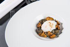 Carte Automne 2016 - L'œuf parfait cuit à 64°C, les escargots des Monts du Lyonnais de Benjamin, girolles & émulsion chorizo #gastronomie #restaurant #lyon #locavore
