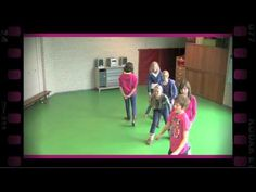 Ontsnapte gevangenen (dramaoefening bij lesmethode DramaOnline) - YouTube