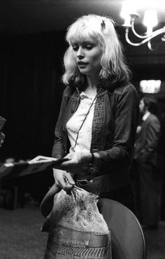 Debbie Harry | 1977 | famous | black & white | timeless | beautiful | cool | rock | fashion icon | amazing