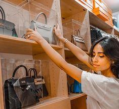 32 ideas for design handbags storage Diy Purse Organizer, Handbag Storage, Diy Handbag, Handbag Organization, Closet Organization, Shoe Storage, Kitchen Organization, Organization Ideas, Creative Closets