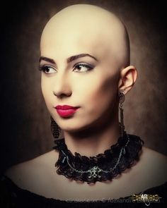 Bald Look, Shaved Hair Women, Crop Haircut, Bald Girl, Bald Women, Bald Heads, Hair Models, Couples Images, Shaved Head