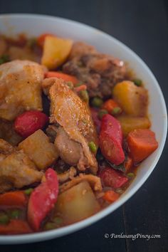 This Chicken Afritada Recipe are slices of chicken cooked in tomato sauce along with onions and carrots. Best Chicken Afritada Recipe, Eat More Chikin, Bacon Muffins, Honey Soy Chicken, Carrots And Potatoes, Chicken Recipes, Chicken Meals, Recipe Chicken, Family Meals