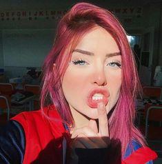 Cute Girl Pic, Brunette Girl, Tumblr Girls, Love Hair, Poses, Aesthetic Girl, Pink Hair, Hair Looks, Cute Hairstyles