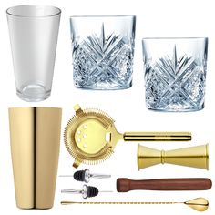 <strong>10 Piece Gold Cocktail Set With Cocktail Old Fashioned Glasses In Presentation Boxox </strong>– All the tools for the job to make shake andstir your way to cocktail heaven. Ideal for cocktail novices and experts alike. This cocktail set is the perfect starting kitfor all cocktail lovers. This is a stylish and elegant addition to any bar or home and makes a fabulous gift for all keen mixologists. - Free Delivery