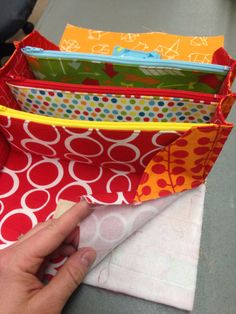 Sew Together Bag Tutorial. 2019 Sew Together Bag. DIY step-by-step tutorial. Сумочка для рукоделия The post Sew Together Bag Tutorial. 2019 appeared first on Bag Diy. Sewing Hacks, Sewing Tutorials, Sewing Crafts, Sewing Tips, Free Tutorials, Bags Sewing, Purse Patterns, Sewing Patterns, Tote Pattern