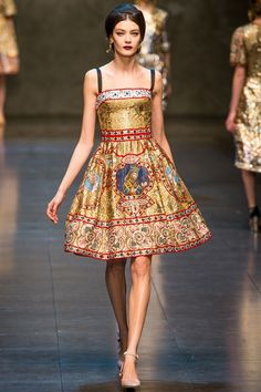 la-pretty:    Dolce & Gabbana  Winter 2014  via Vogue.co.uk