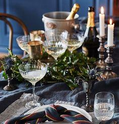 100 000 poppande champagnekorkar till 100 000 följare! (Och varsitt glas, förstås.) Vi firar också med att duka upp bordet med vår textil i samarbete med Himla. Läs mer i Sköna hem nr 11, eller slå till direkt i butik: bonshop.se. Men först: Skål! Foto Martin Cederblad #design #dukning #skonahem #skönahem #interiør #fest #tablesetting #interiorinspiration #textil #textiledesign #interiør #interiorinspiration #hjem #keittiö #fira #njutavlivet