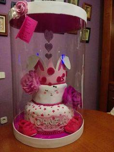 Pastel / tarta de pañales - diaper cake www.facebook.com/unomasunotresregalos