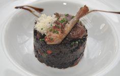Risotto de arroz venere, semilla procedente de Indonesia. Cremoso y acompañado de setas y medio pichón de Castilla. Casa Setién, Oruña   Cantabria   Spain