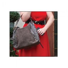 Cameleon Concealed Carry Hand Reptic Purse Snake Skin Accent Self Defense Purses #Cameleon #BucketBag