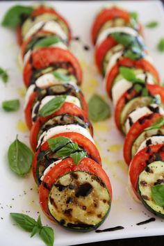 Grilled Zucchini Caprese Salad - Colorful, healthy, quick and easy. Serve alongside your favorite grilled meats and fish! Thecomfortofcooking.com
