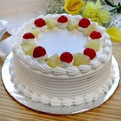 Celebrate the festivals and special days with this healthy cake. Experience the sweet and sour taste of this cake. We can deliver the Pineapple Cake in ahmedabad full day along with mid night delivery. Cake Decorating Frosting, Cake Decorating Designs, Easy Cake Decorating, Birthday Cake Decorating, Cake Decorating Techniques, Easy Pineapple Cake, Simple Cake Designs, Cake Piping, Cake Shapes