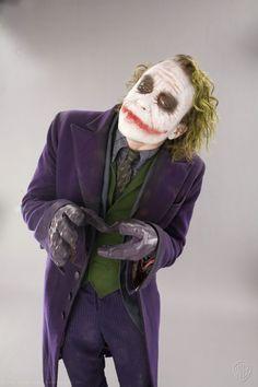 The Joker alias Heath Ledger in Batman - The Dark Knight Le Joker Batman, Batman Joker Wallpaper, Batman Comic Art, Joker And Harley, Harley Quinn, Batman Robin, Gotham Batman, Superman, Heath Ledger Joker Quotes