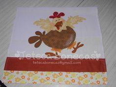 Decorativo pano de prato confeccionado em:  - tecido de sacaria,  - tecidos 100% algodão. R$ 32,00