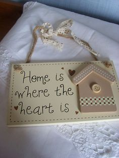 Shabby Chic Country Style - 'Home is where the heart is' - Plaque Wooden Plaques, Wooden Art, Wooden Crafts, Estilo Country, Country Style, Shabby Chic Plaques, Wedding Plaques, Personalized Plaques, Framed Letters