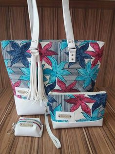 Pin by Keisy Fernandes on Bolsas Diy Sac, Fabric Tote Bags, Jute Bags, Denim Bag, Quilted Bag, Handmade Bags, Handmade Bracelets, Cloth Bags, Bag Making