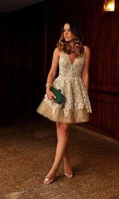 vestido com decote v fundo curto - Pesquisa Google