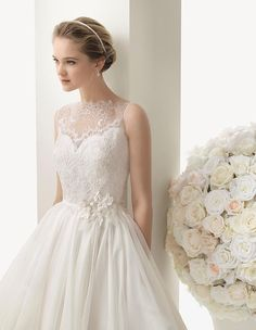 Oh WOW!!! How amazingly beautiful is this gown from Rosa Clará 2014 Collection. Available in Australia through Peter Trends Bridal Australia