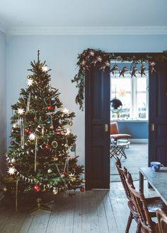 Nordic Christmas, Christmas Mood, Noel Christmas, Merry Little Christmas, Simple Christmas, Vintage Christmas, Christmas Interiors, Christmas Aesthetic, Christmas Inspiration