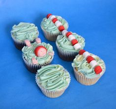 Swimming cupcakes | These were donated to a local swimming c… | Flickr