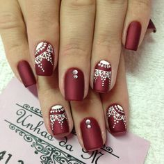 Mandalas: rojo, blanco Love Nails, Red Nails, Glitter Nails, Pretty Nails, Elegant Nails, Stylish Nails, Nail Polish Designs, Nail Art Designs, Gel Nail Art