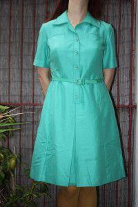 Une robe verte vintage années 1950 - marque Demart