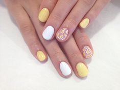 Dainty nail art!