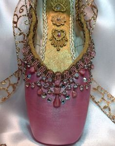 - Pink and gold decorated pointe shoe with vintage jewels. Ballet gift Pink and gold decorated pointe shoe with by DesignsEnPointe Pointe Shoes, Toe Shoes, Ballet Shoes, Dance Shoes, Ballet Tutu, Zapatillas Adidas Superstar, Shoe Crafts, Ballet Crafts, Fairy Shoes