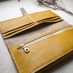 Yellow Leather bi-fold purse, hand dyed and hand stitched, with zipper pouch. Handmade in England Leather Bag Tutorial, Leather Wallet Pattern, Handmade Leather Wallet, Leather Card Wallet, Handmade Bags, Leather Pouch, Leather Projects, Yellow Leather, Classic Leather