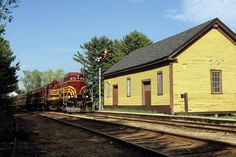 https://flic.kr/p/adJKfT | Conway Scenic 573 approaches Conway, NH, 2007 | This…