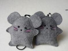 Little felt mice decorations