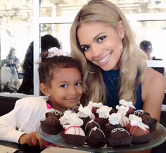 Actress Jennifer Freeman (My Wife and Kids) w her daughter Isabella