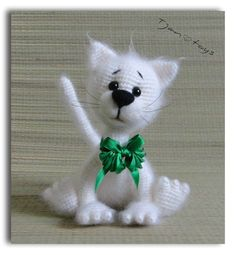 White Cat OOAK Stuffed Animals Crochet Handmade Soft toy door Tjan