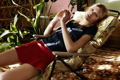 Fall in love with the new women's collection from Stradivarius. Retro Chic, Spring Summer 2016, Fashion Lookbook, Warm Colors, Film Photography, Leather Skirt, Beauty, Collection, Trends