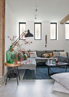Home interior. Living Room Inspiration, Interior Inspiration, Home Living Room, Living Spaces, Interior And Exterior, Interior Design, Tadelakt, Home And Deco, Cushions On Sofa