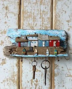 5 Creative Tricks: Wood Working For Beginners Shops wood working for beginners s - wood working gifts Painted Driftwood, Driftwood Art, Beach Crafts, Diy And Crafts, Deco Marine, Driftwood Projects, Kids Wood, Pebble Art, Painting On Wood