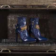 Made in Italy leather ankle boots for women, the aggressive chic that blends perfectly sophistication and sensuality.