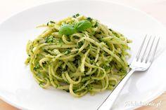 Makaron linguine z oryginalnym włoskim sosem pesto alla Genovese. Ekspresowe w…