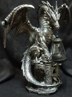 Dark Beacon Dragon on Castle w/ Lantern (Solar)