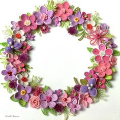 #quilling #floral #wreath #card