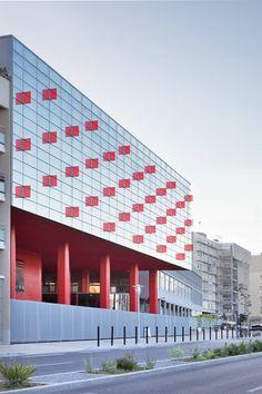 La nouvelle entrée du Lycée #glass #red #colors