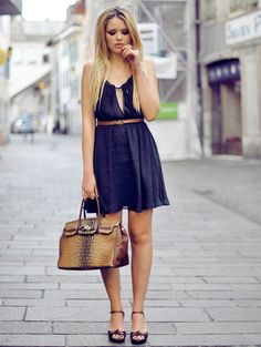 empire style dress 2017 with belt and structured bag