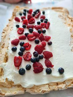 Baking Recipes, Cake Recipes, Dessert Recipes, Romanian Desserts, Pavlova, Cake Cookies, Sweet Treats, Cheesecake, Deserts