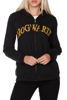 Harry Potter Hogwarts Girls Hoodie ~ has the crest on the back Hot Topic Harry Potter, Harry Potter Pop, Harry Potter Outfits, Fandom Fashion, Geek Fashion, Hogwarts Sweatshirt, Cool Outfits, Casual Outfits, Casual Clothes