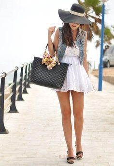 Cute dress. Love the bag